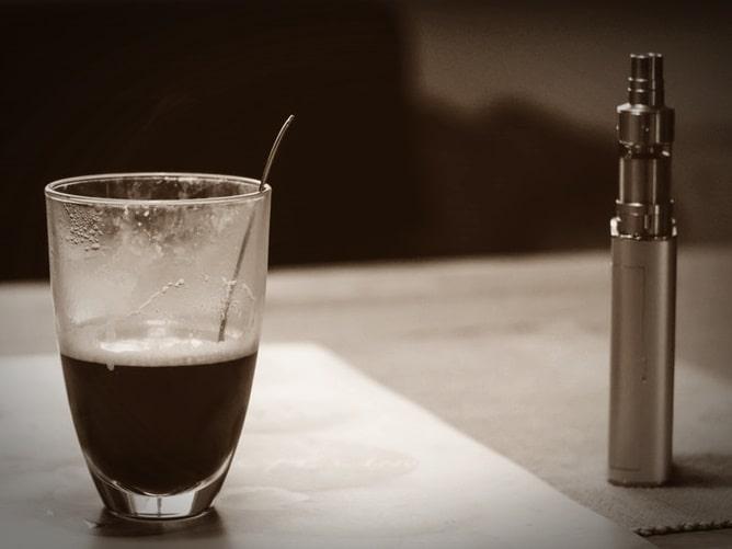 電子タバコとコーヒー