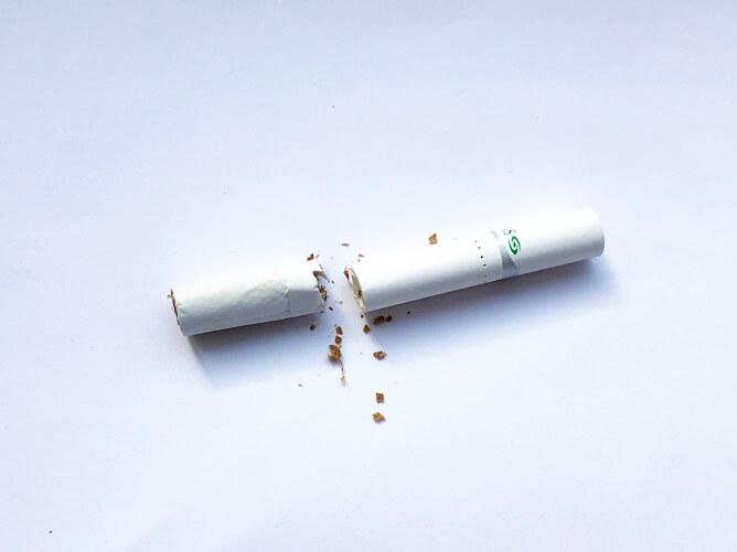 専用たばこスティックを切った
